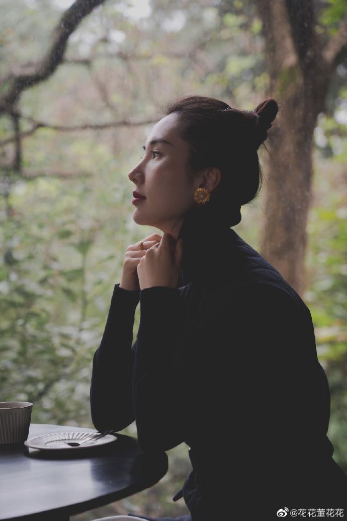 Sau 8 tháng đăng đàn bóc phốt chồng ngoại tình, vợ chủ tịch Taobao thăng hạng nhan sắc, vứt bỏ hình tượng bà nội trợ để làm doanh nhân-1