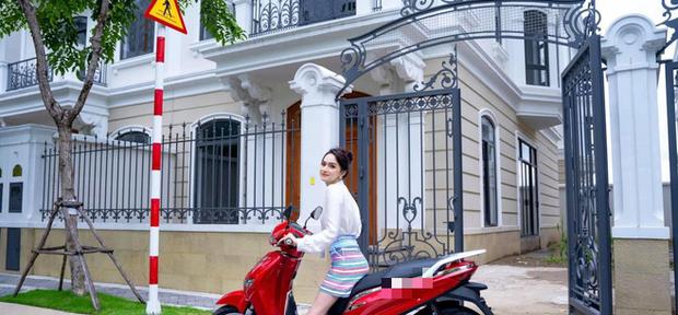 Những người đẹp Việt tậu biệt thự tiền tỷ trước tuổi 30: Hương Giang, Midu, Hương Tràm... ai giàu hơn ai?-1