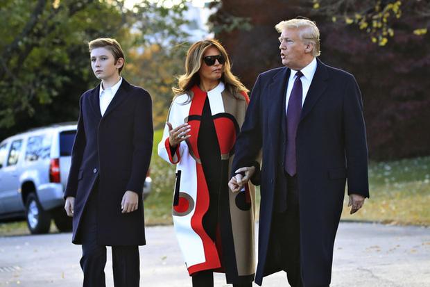 Nhìn lại 4 năm ở Nhà Trắng của cậu ấm Barron Trump: Dậy thì thành công hết nấc nhưng ngày càng làm fan chạnh lòng vì một chi tiết-4