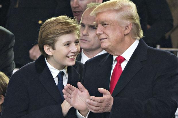 Nhìn lại 4 năm ở Nhà Trắng của cậu ấm Barron Trump: Dậy thì thành công hết nấc nhưng ngày càng làm fan chạnh lòng vì một chi tiết-8