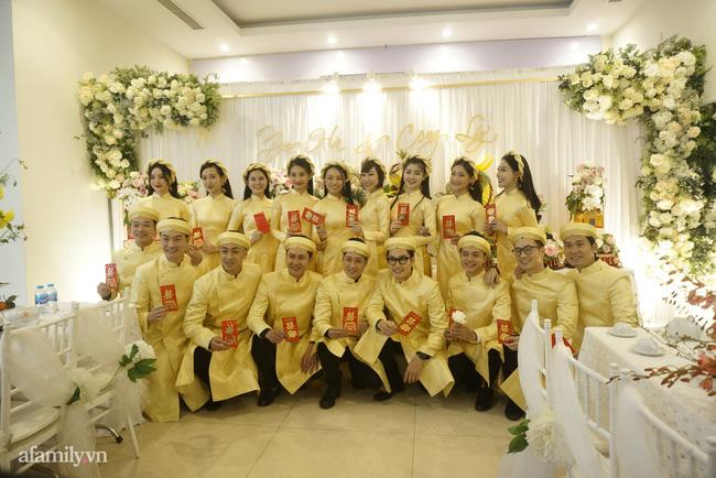 Dàn phù dâu, phù rể toàn sao Việt trong lễ ăn hỏi của NSND Công Lý-1