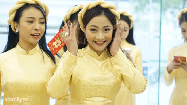 Dàn phù dâu, phù rể toàn sao Việt trong lễ ăn hỏi của NSND Công Lý-4