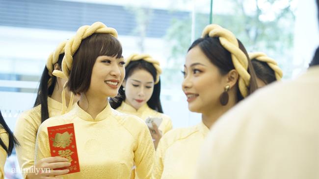 Dàn phù dâu, phù rể toàn sao Việt trong lễ ăn hỏi của NSND Công Lý-5