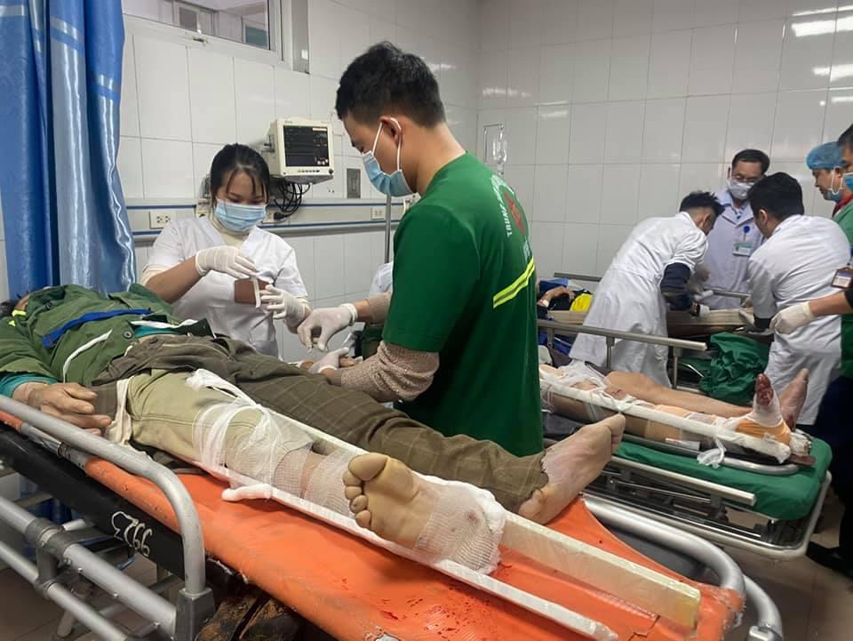 Rơi vận thăng, 3 người chết, 8 công nhân bị thương-1