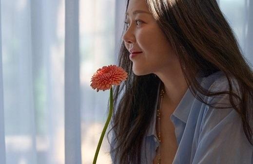 Nhan sắc ở tuổi 50 của cô dâu bị đế chế Samsung ruồng bỏ Go Hyun Jung ra sao mà bất ngờ lên Top hot search?-3