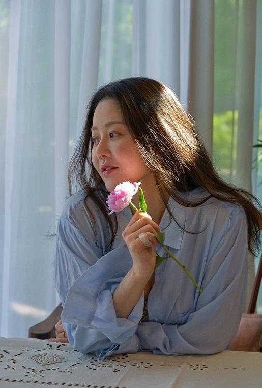 Nhan sắc ở tuổi 50 của cô dâu bị đế chế Samsung ruồng bỏ Go Hyun Jung ra sao mà bất ngờ lên Top hot search?-5