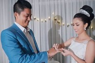 Clip: Nữ doanh nhân trẻ gây sốt với màn 'cầu hôn ngược' đầy bất ngờ và lãng mạn dành cho người chồng đã bên mình 8 năm