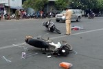 Chùm ảnh: Người dân lỉnh kỉnh đồ đạc quay lại Hà Nội sau kỳ nghỉ Tết, khu vực cửa ngõ Thủ đô kẹt cứng gần chục cây số-24
