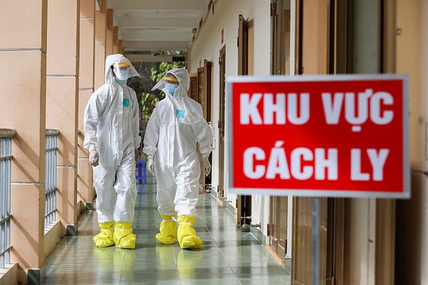 Chiều 3/1, cụ bà 73 tuổi và 11 người khác mắc COVID-19, Việt Nam có 1.494 bệnh nhân-1