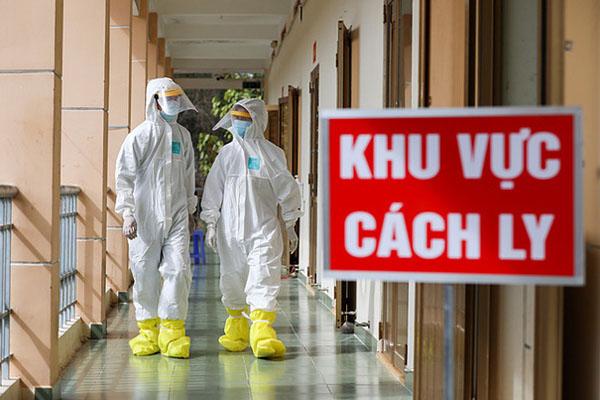 Chiều 3/1, cụ bà 73 tuổi và 11 người khác mắc COVID-19, Việt Nam có 1.494 bệnh nhân