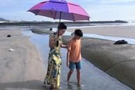 Nhìn ảnh Subeo đứng cạnh bà ngoại mới ngỡ ngàng cậu bé đã cao lớn thế này rồi
