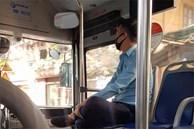 Người phụ nữ bán hàng rong bụng mang dạ chửa vừa bước lên xe buýt, anh phụ xe có hành động lặng lẽ làm 'tan chảy' trái tim bao người