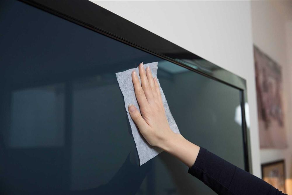 Cách vệ sinh TV màn hình phẳng đúng cách, sạch bong để những ngày dọn dẹp sắp tới không còn là ác mộng-3