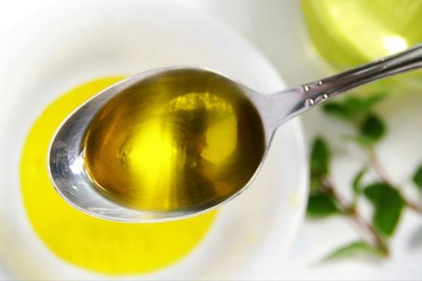 Mẹo nhận biết dầu ăn thật hay giả chỉ bằng mắt thường-1