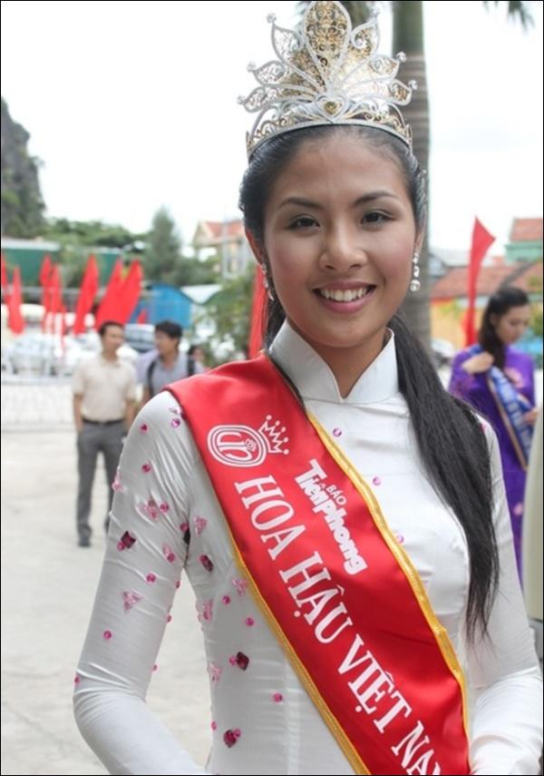 Nhìn lại thập kỷ nhan sắc Việt (2010 - 2020): Phạm Hương sang Mỹ làm vợ đại gia,Kỳ Duyên thôi nổi loạn, rũ bỏ mác hoa hậu thị phi-1