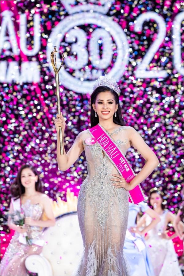 Nhìn lại thập kỷ nhan sắc Việt (2010 - 2020): Phạm Hương sang Mỹ làm vợ đại gia,Kỳ Duyên thôi nổi loạn, rũ bỏ mác hoa hậu thị phi-14