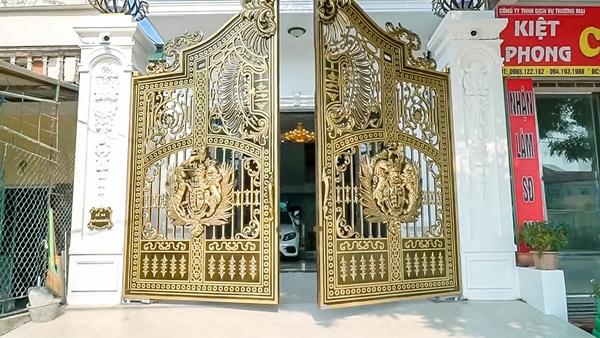 Cận cảnh căn nhà 4 tỷ như cung điện trắng của Youtuber NTN giữa lòng thành phố Thái Bình-4