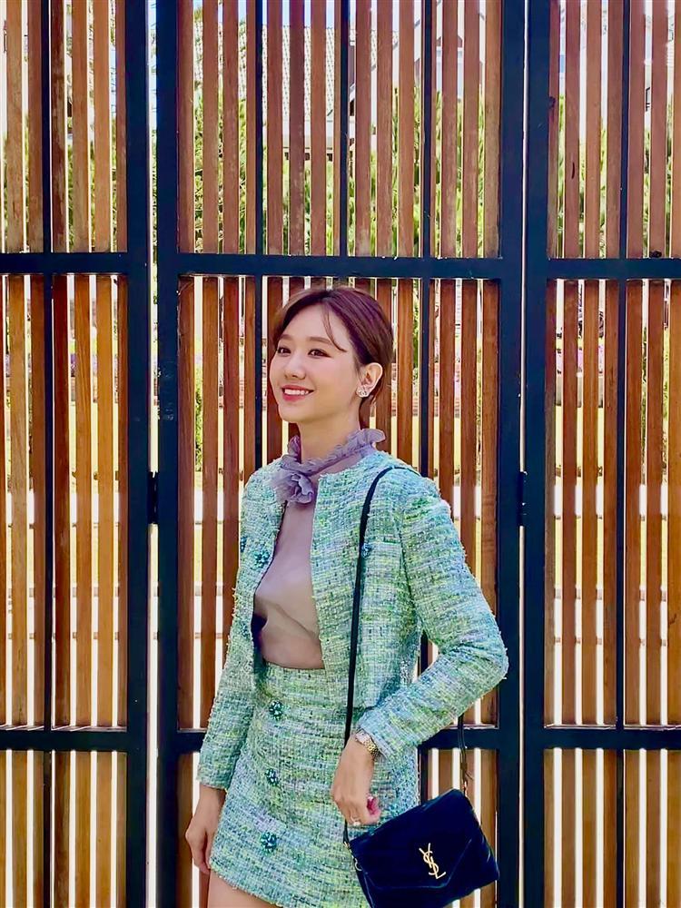 Học cách sao Việt diện áo khoác vải tweed để vừa hack dáng đỉnh cao mà điểm sang chảnh cũng tăng vù vù-4