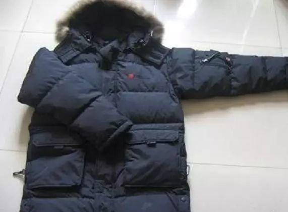 Hãy nhớ quy tắc 3 không khi giặt áo khoác lông vũ, nếu không chúng sẽ ngày càng mỏng đi mà không giữ ấm được-3