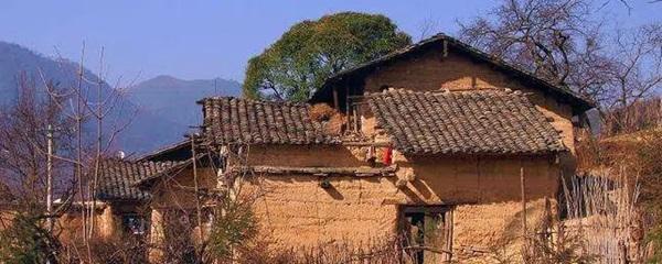 76 dân làng chết trong vòng 6 năm sau khi đào được phiến đá màu máu đỏ, chân tướng kinh hoàng bại lộ sau một vụ hỏa hoạn-1