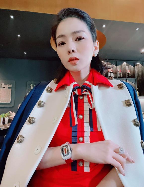 Động thái của Lệ Quyên khi thấy chồng cũ Đức Huy đang hẹn hò người đẹp Hoa hậu Việt Nam-3