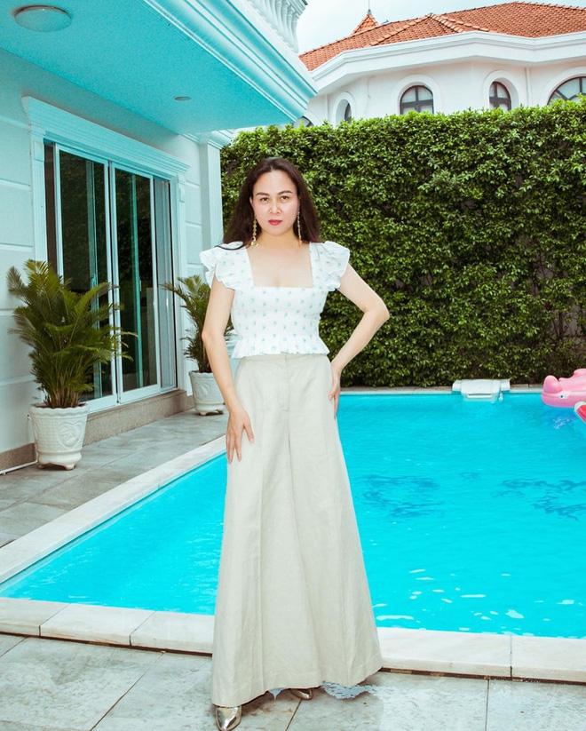Biệt thự trắng của Phượng Chanel: Bên ngoài bề thế, bên trong tàm tạm, nhìn chênh lệch đôi chút-5
