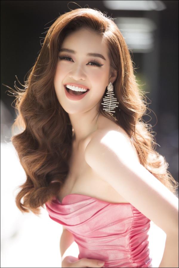 Nhìn lại thập kỷ nhan sắc Việt (2010 - 2020): Phạm Hương sang Mỹ làm vợ đại gia,Kỳ Duyên thôi nổi loạn, rũ bỏ mác hoa hậu thị phi-31