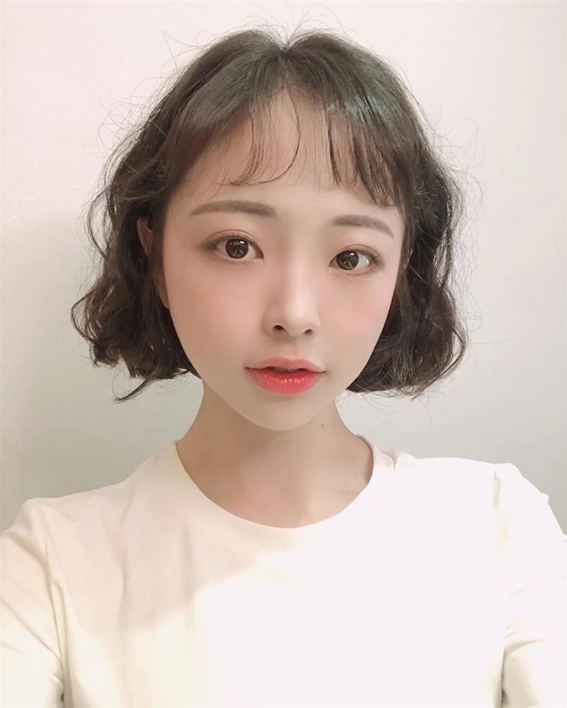 Nàng tóc ngắn muốn đổi phong cách thì cần ngó ngay 6 kiểu tóc siêu xinh và nịnh mặt này-6