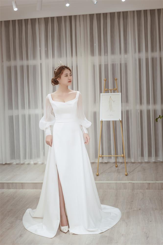 Mạo hiểm cưới anh người yêu cũ sau 1 năm chia tay, cô dâu nghẹn ngào khi được chú rể tặng váy cưới 500 triệu và câu chuyện đằng sau-4
