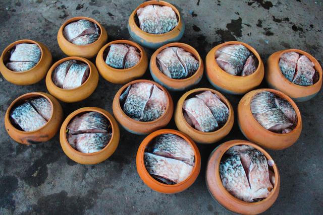 Chuyện lạ làng Vũ Đại: Đeo mặt nạ, thức xuyên đêm canh nồi cá kho bạc triệu-6