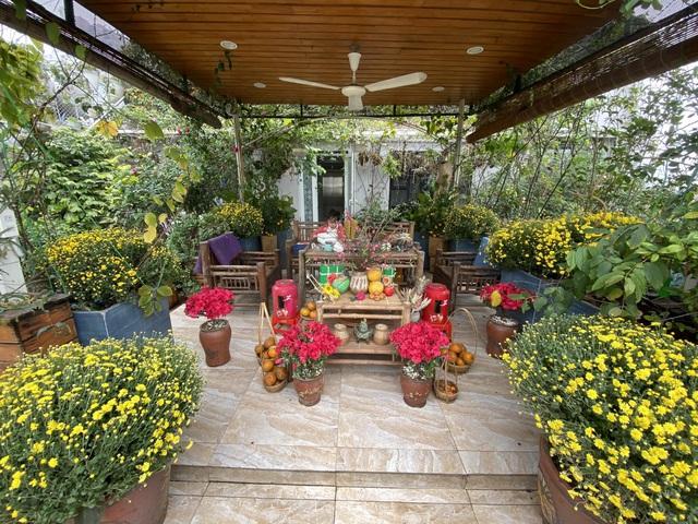 Vườn hoa 200m2 trên sân thượng, đẹp như tiên cảnh của mẹ đảm Hà thành-13