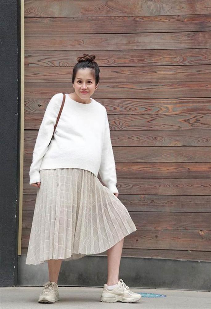 An Nguy khoe nhan sắc cuốn hút khi mang thai con đầu lòng, ai nghĩ Vlogger đã 34 tuổi rồi!-1