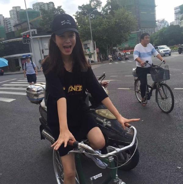 Hotgirl cặp kè với chủ tịch Taobao đăng ảnh cũ, dân mạng liền xôn xao: Nhan sắc quá phèn làm sao sánh được khí chất quý tộc của vợ chính thức-1