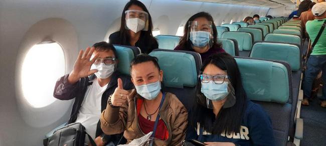 Chuyến bay cuối cùng của Á hậu Philippines: Thi hài nằm trong quan tài lạnh lẽo được đưa về quê nhà, tang lễ riêng tư đẫm nước mắt-4