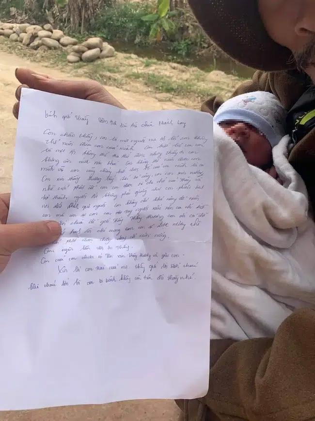 Xót xa bé trai sơ sinh bị bỏ rơi gần cổng chùa giữa thời tiết lạnh giá cùng lời nhắn Con là một người mẹ tội lỗi-2