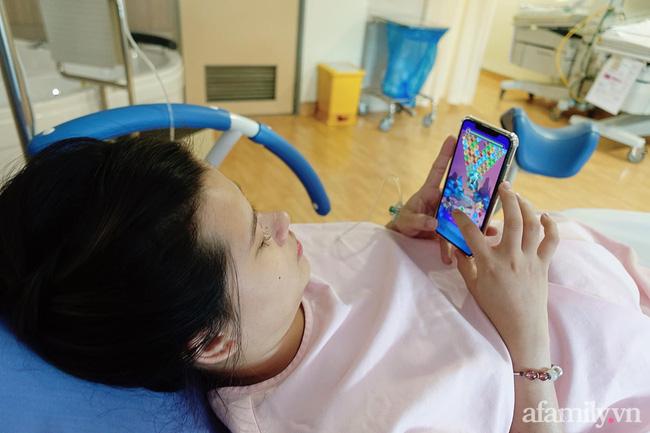 Mang thai đôi và có một thai ngôi ngược, mẹ Sài Gòn vẫn quyết tâm sinh thường không tiêm giảm đau, cảm giác như bị xé thịt sống-2