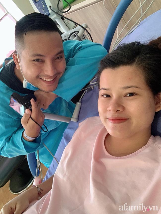 Mang thai đôi và có một thai ngôi ngược, mẹ Sài Gòn vẫn quyết tâm sinh thường không tiêm giảm đau, cảm giác như bị xé thịt sống-6