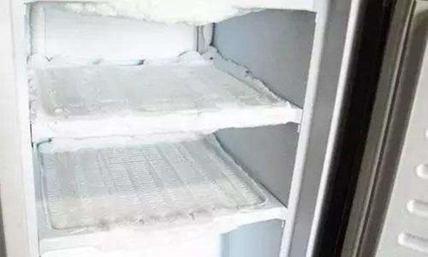Mẹo giúp lỗ thoát nước của tủ lạnh sử dụng tốt, không bị đóng băng-4