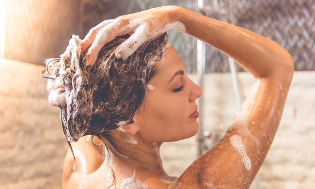 Dùng đèn sưởi nhà tắm vào ngày rét đậm: Chuyên gia khuyến cáo cần ghi nhớ 4 lưu ý sống còn-4