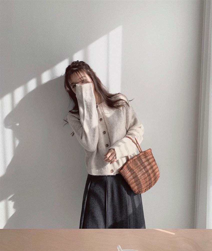 4 items được hội fashionista mặc đi mặc lại, khẳng định đã sắm là không hối hận vì style sẽ lên tầm cao mới-15