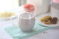 Mùa đông da dễ khô sạm chỉ cần mỗi ngày một ly sữa hạt này đảm bảo mịn màng như da em bé