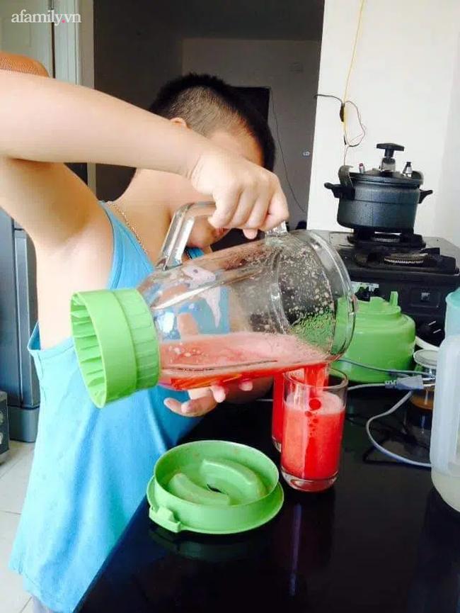 Mẹ Hà Nội khoe con có ý thức và nấu ăn ngon như đầu bếp nhà hàng, nhìn thành quả ai cũng xuýt xoa: Dạy con trai quá khéo!-7