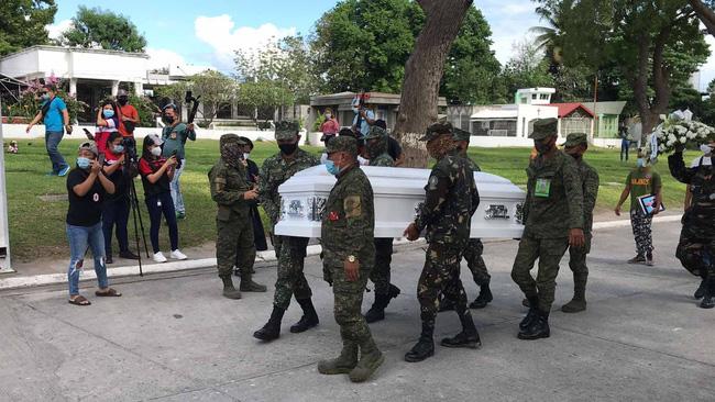 Á hậu Philippines được đưa đến nơi an nghỉ cuối cùng, đã xác định được danh tính các nghi phạm trong căn phòng nơi nạn nhân lui tới nhiều lần vào đêm định mệnh-1