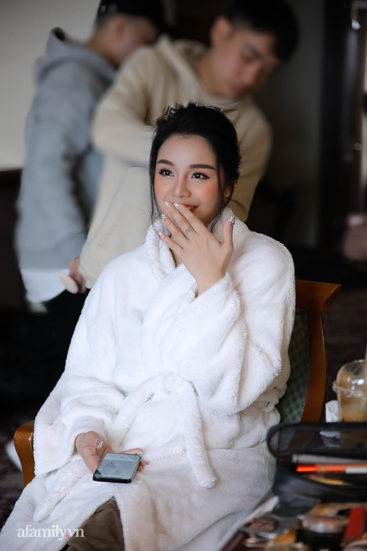 Hình ảnh đầu tiên của cặp đôi Bùi Tiến Dũng - Khánh Linh ở khách sạn tổ chức đám cưới tại Hà Nội, nhan sắc cô dâu xinh đến ngỡ ngàng-8
