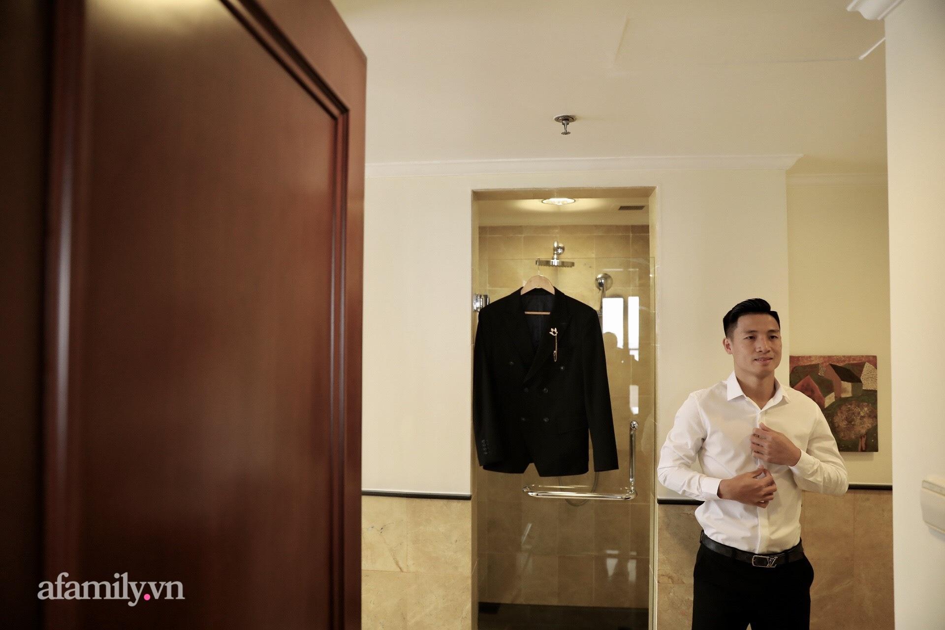 Hình ảnh đầu tiên của cặp đôi Bùi Tiến Dũng - Khánh Linh ở khách sạn tổ chức đám cưới tại Hà Nội, nhan sắc cô dâu xinh đến ngỡ ngàng-1