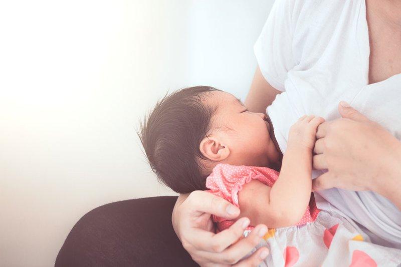 Trẻ sơ sinh cần cạo tóc tơ để tóc mọc tốt? 6 lời đồn đại về nuôi dạy trẻ nhỏ, đừng tin vào chúng!-2