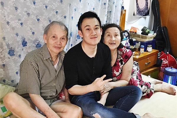 Dương Triệu Vũ hé lộ chuyện gia đình 'giàu một cách kinh khủng, có nguyên một bệ