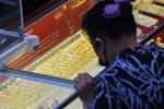 Giá vàng tiếp tục giảm sâu, nhà đầu tư chờ bắt đáy-2