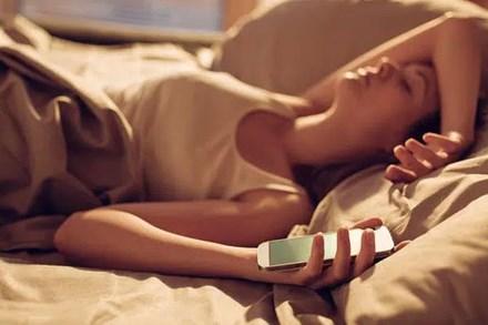 Sáng nào thức dậy cũng đau đầu, coi chừng là 5 bệnh