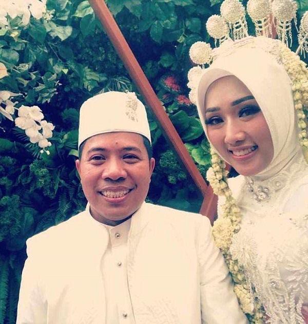 Xót xa cặp đôi mới cưới trên chuyến bay rơi ở Indonesia: Vợ thông minh và xinh đẹp, chồng là chính trị gia nổi tiếng-1